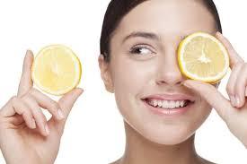 ¿Sabías que el jugo de limón sirve para evitar la caída del cabello?