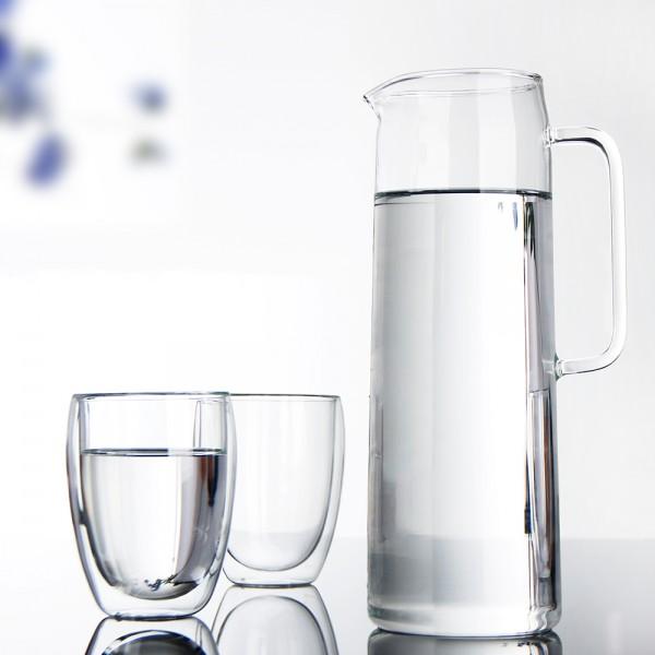 Para que sirve tomar una taza de agua caliente en ayunas