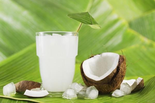 ¿Para qué nos sirve el agua de coco y cuáles son sus beneficios?