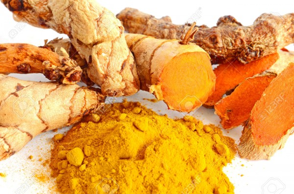 30124774-C-rcuma-Curcuma-longa-L-ra-z-y-polvo-de-c-rcuma-para-la-medicina-alternativa-y-productos-de-spa-Foto-de-archivo