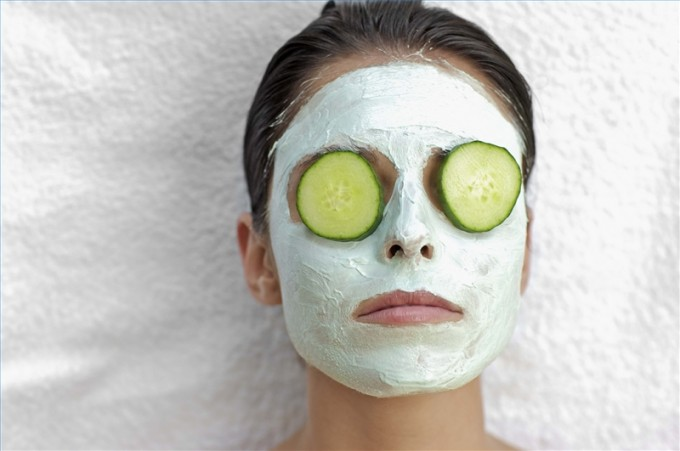 treat-dark-circles-slices-cucumbers-800x800